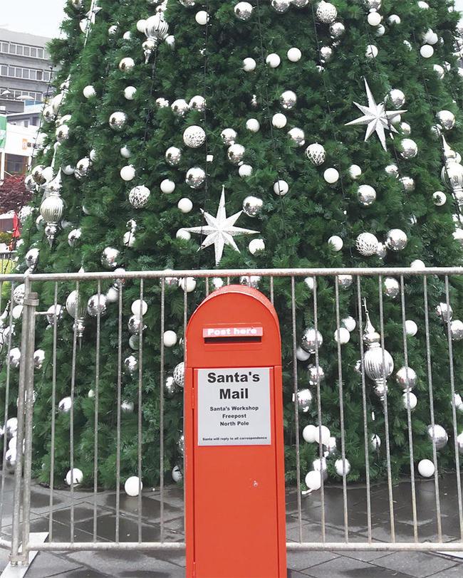(c)ecube161123_newmarket_tree01.jpg