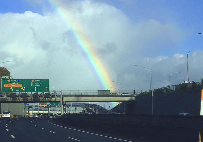 (c)ecube_rainbow05.jpg
